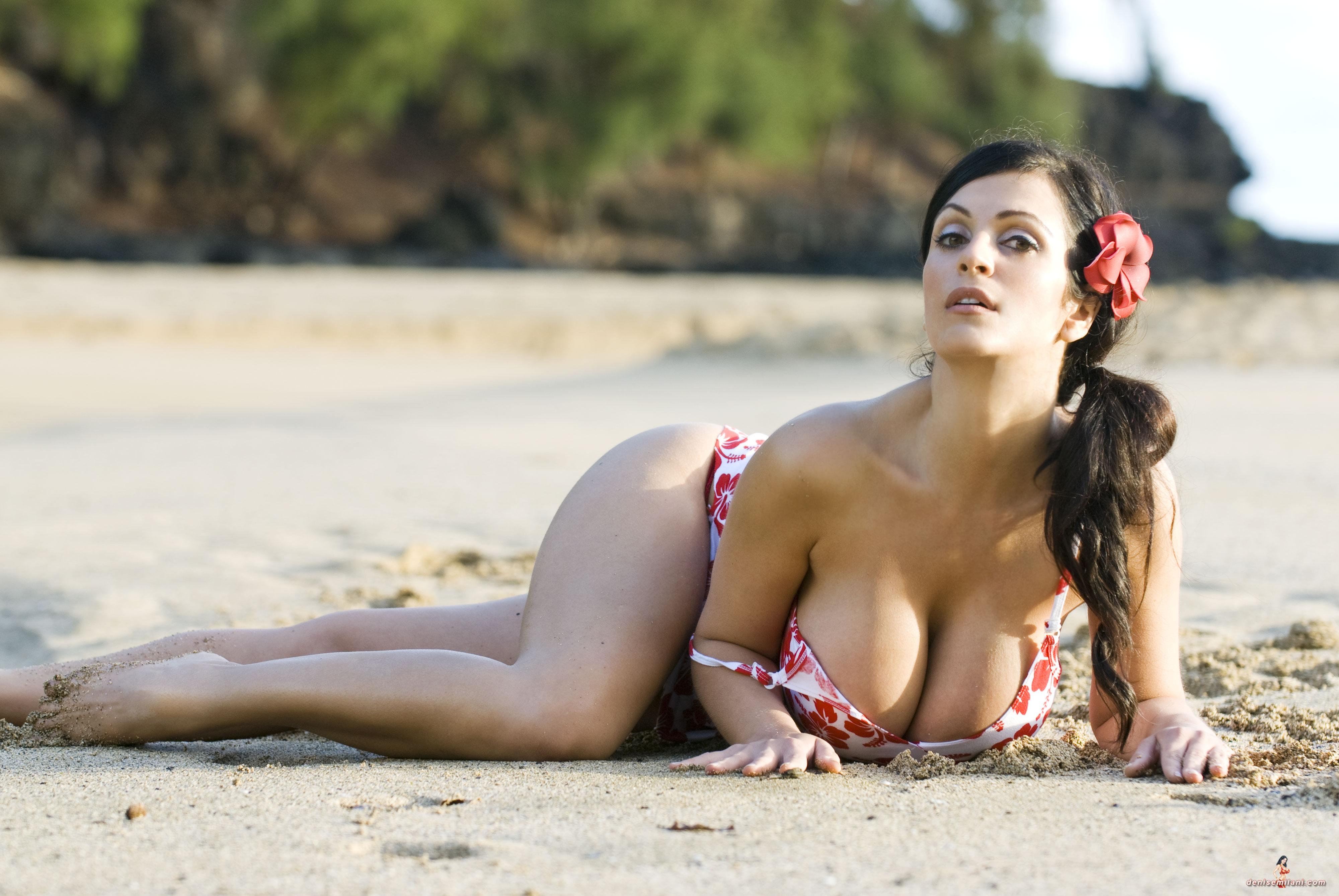 фото женщина с большими грудями - 13